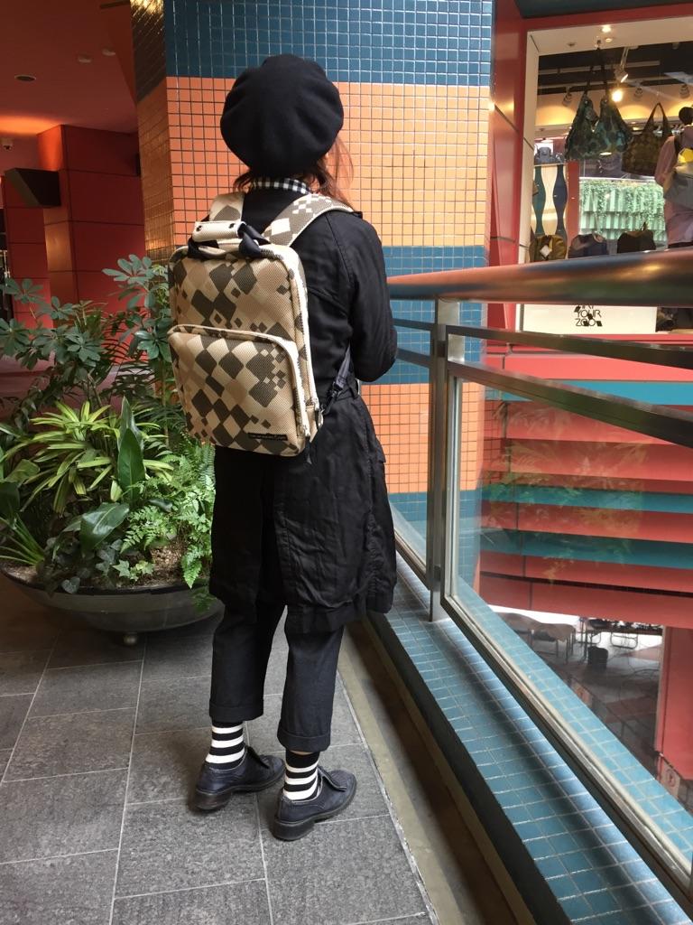 12_fukuoka_squareruckcheck_beige